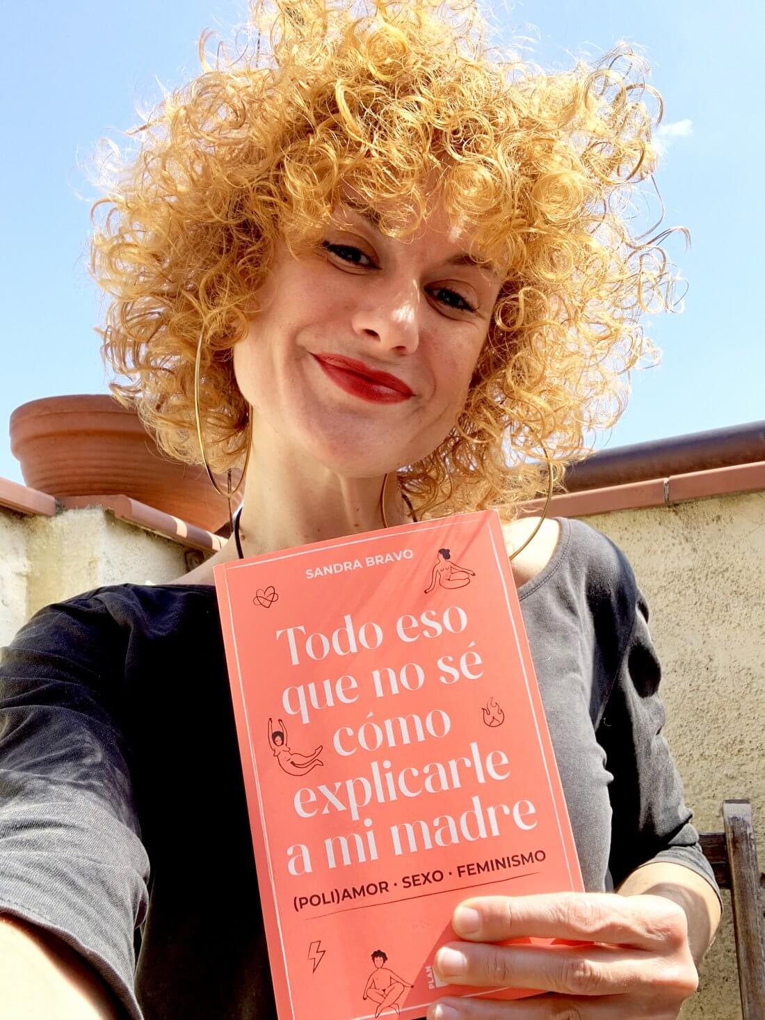 Sandra Bravo poliamor libro